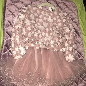 Other - NWT Beautiful Flowers Dress